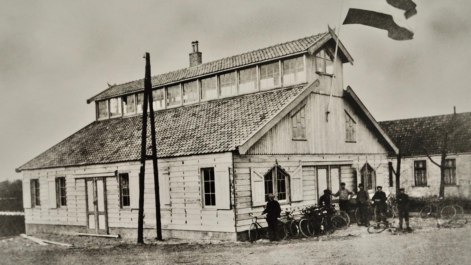 Historische Tuin Aalsmeer - Beleef - Eerste veilinggebouw werd in april 1912 in gebruik genomen